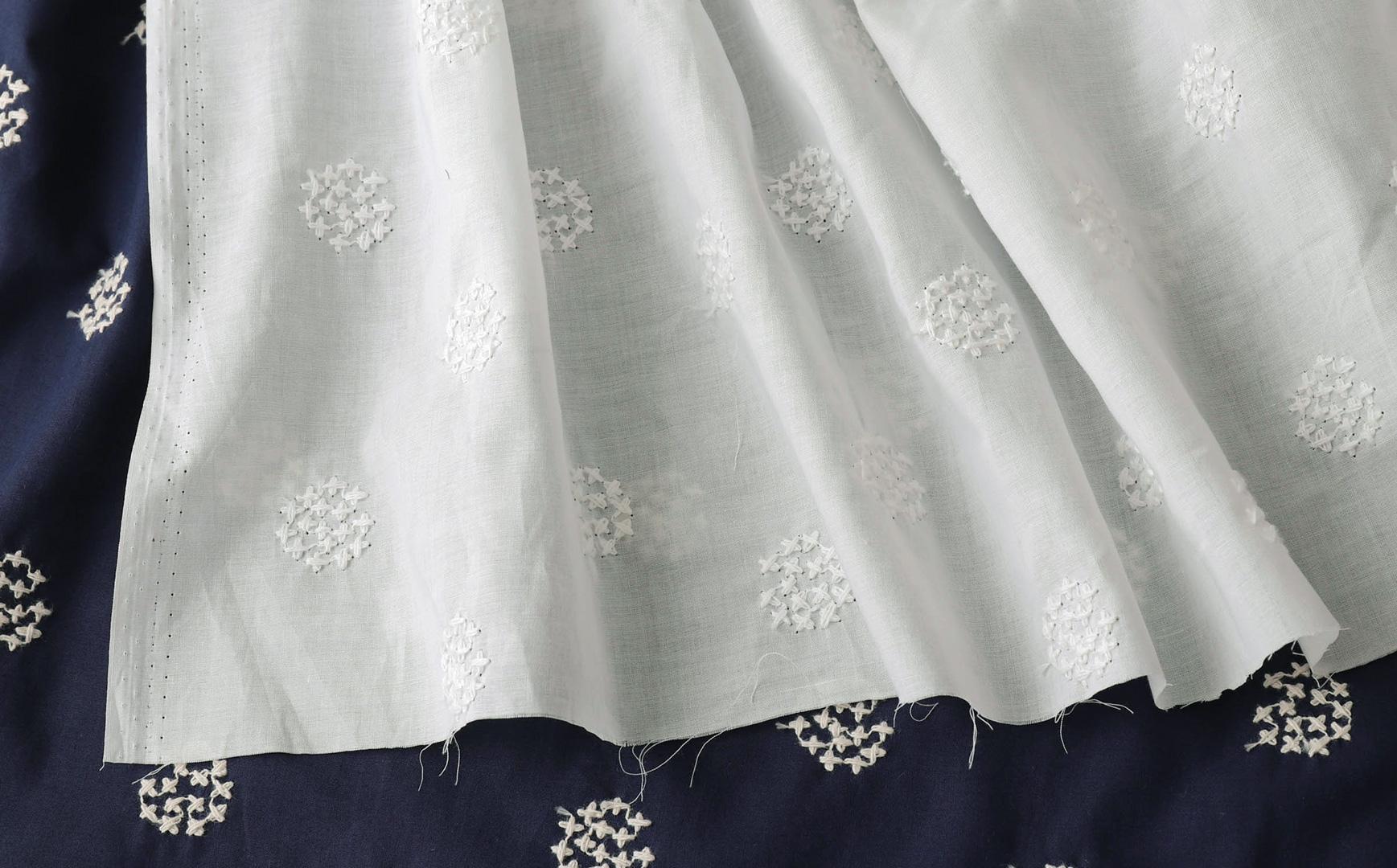 コットンローン 刺繍