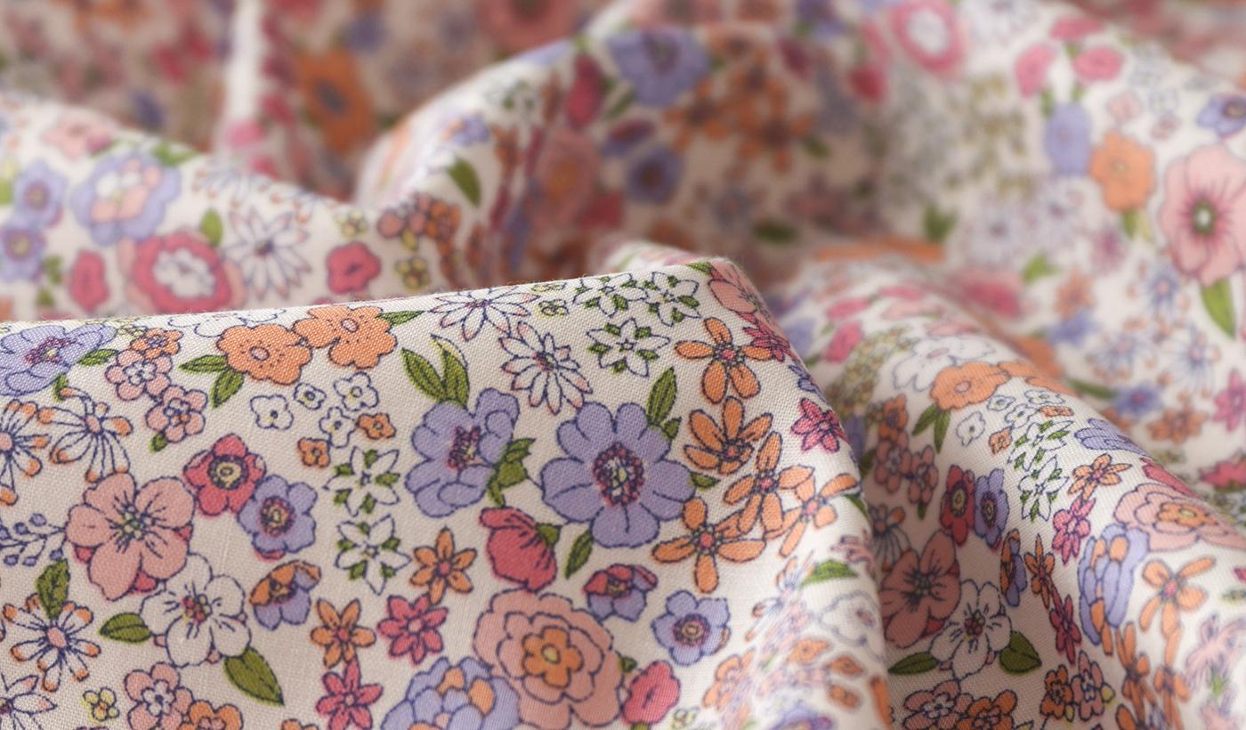 コットンローンの花柄プリント